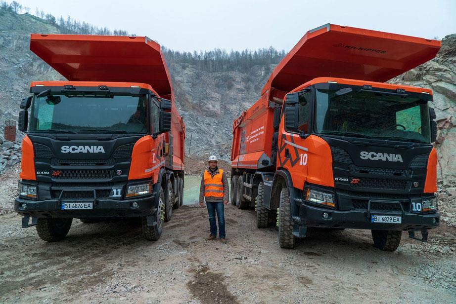Важкий кар'єрний самоскид Scania: перші враження