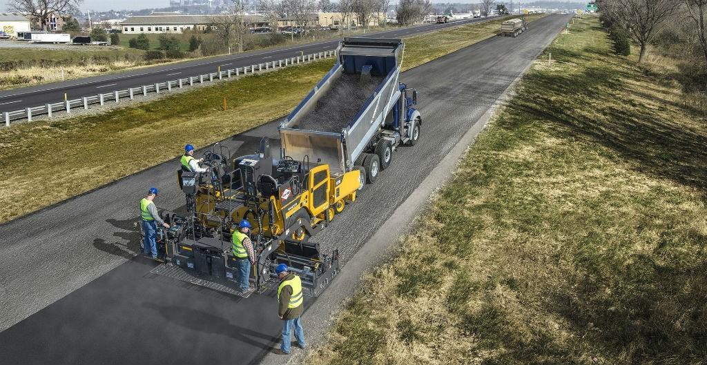 Volvo возвращает гарантию на миллион тонн для асфальтоукладчиков, работающих на американском рынке