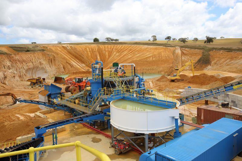 M2500 от CDE используется в составе завода для промывки кварцевого песка на Tooperang Quarry