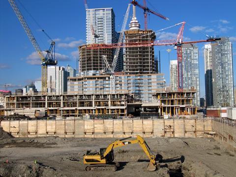 Будівельна галузь і коронавірус: Китай відновив 90% будівництва, а у деяких европейських країнах роботи призупинені