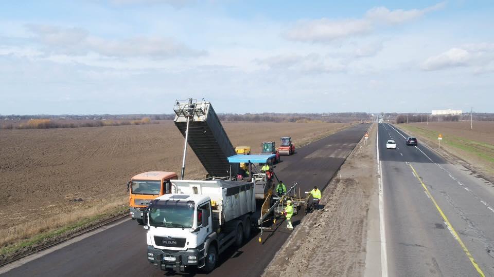 """Дорожні роботи в рамках """"Великого будівництва"""" тривають на 139 об'єктах"""