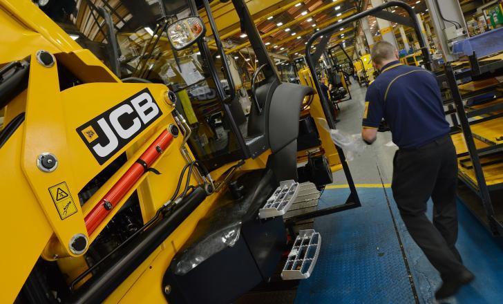 Компанія JCB зупиняє виробництво у Великобританії