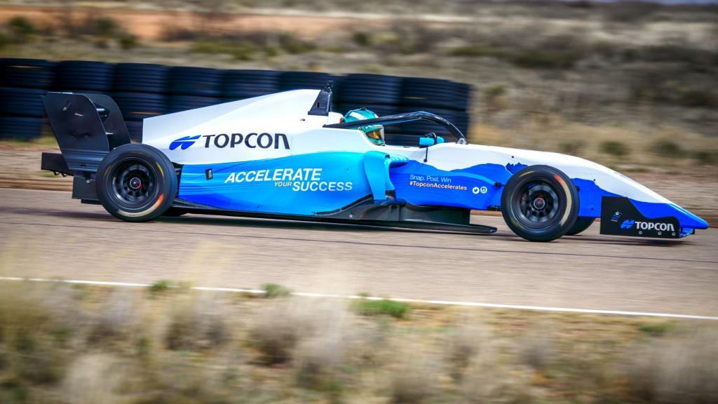 Пілот Формули-3 розповість про нові технології відновлення дорожнього покриття Topcon