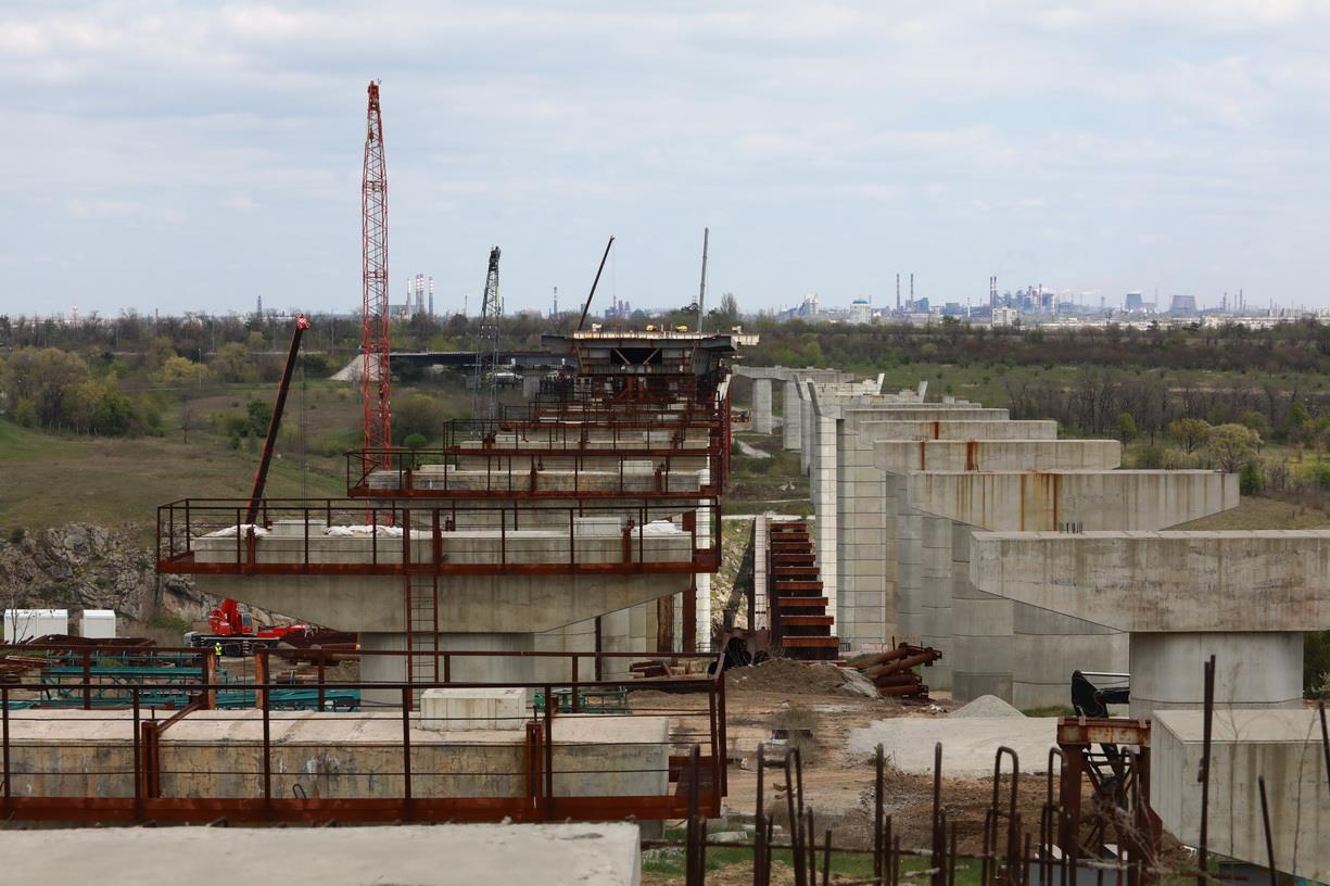 Запорізький міст планують добудувати за два роки замість чотирьох