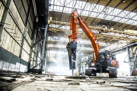 Hitachi виводить на ринок нову лінійку гідромолотів