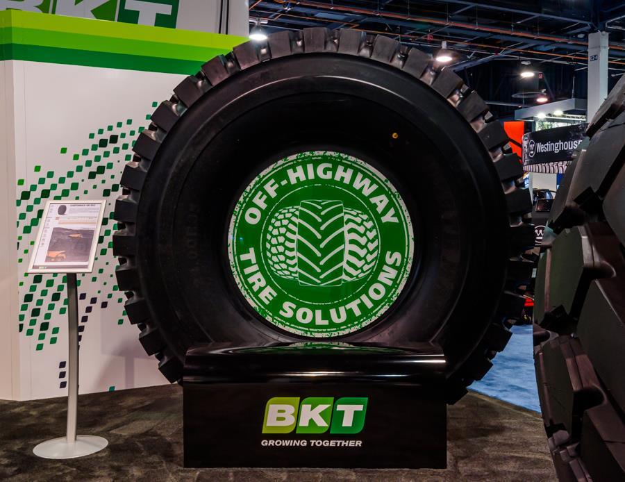 BKT представила новую модель шин для дорожных самосвалов