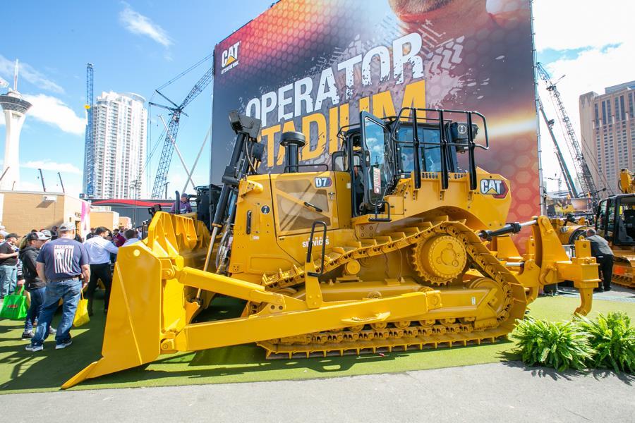 Caterpillar представила модернизированные бульдозеры D3 и D7