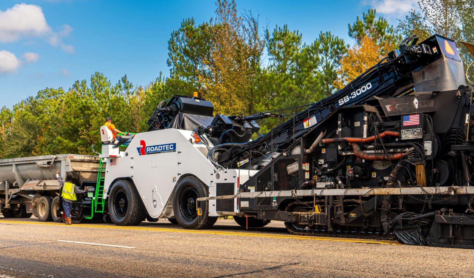 Roadtec обновила перегружатель асфальтобетона Shuttle Buggy