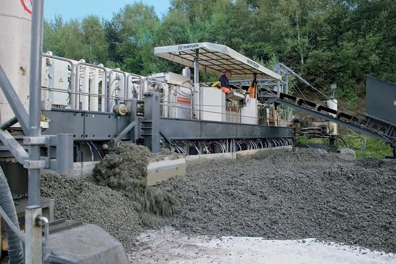 Wirtgen представила нову модель бетоноукладача SP 154i