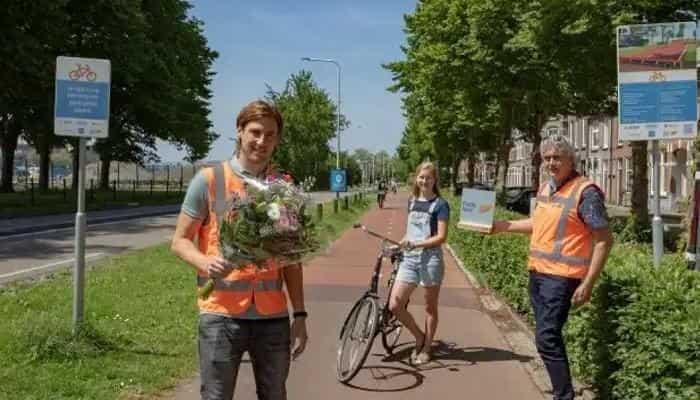 В Нидерландах появилась первая в мире велосипедная дорожка из переработанного пластика