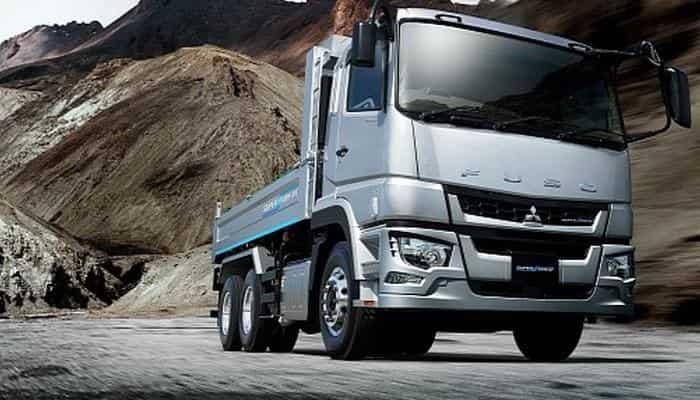 Новый грузовик Mitsubishi Fuso с системой поддержки безопасного вождения