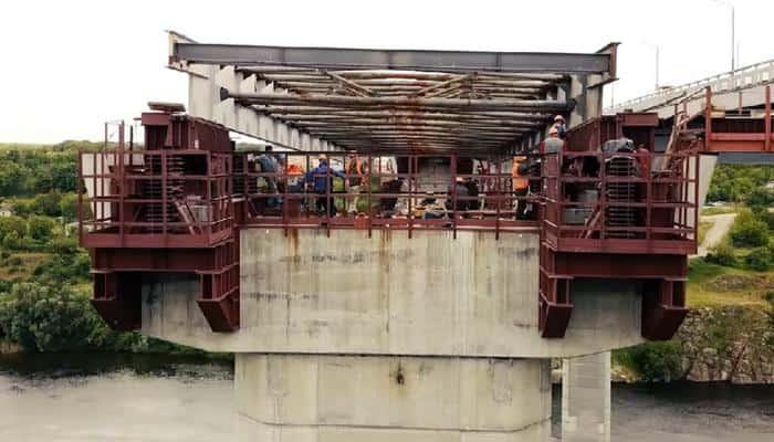 Onur розпочала встановлення 2,4 тис. т металоконструкцій моста в Запоріжжі