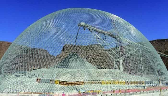 Приклад будівництва великого купольного сховища без зупинки роботи складу