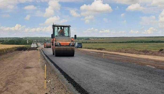 «Альтком» начал ремонтировать трассу М-14 в Запорожской области
