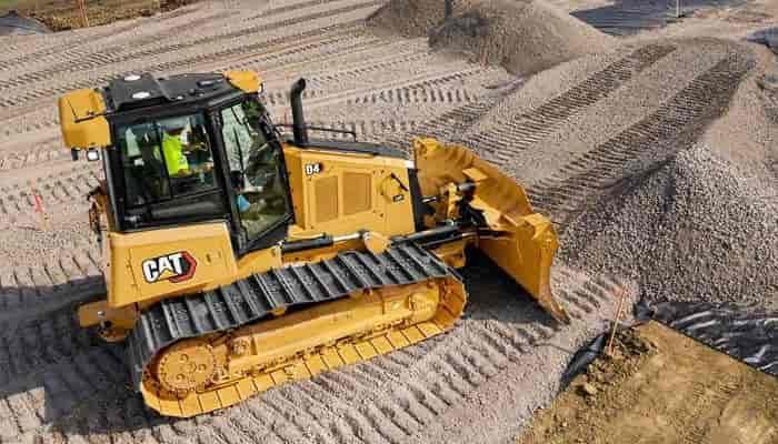 Caterpillar модернізує бульдозер D4