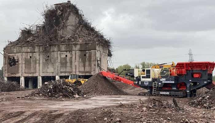 В проекте сноса градирен угольной электростанции Rugeley B используются дробилки компании Sandvik