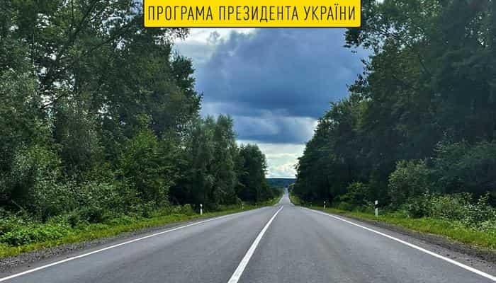 Дорожники на Львівщині завершили капремонт траси Яворів-Грушів до польського кордону