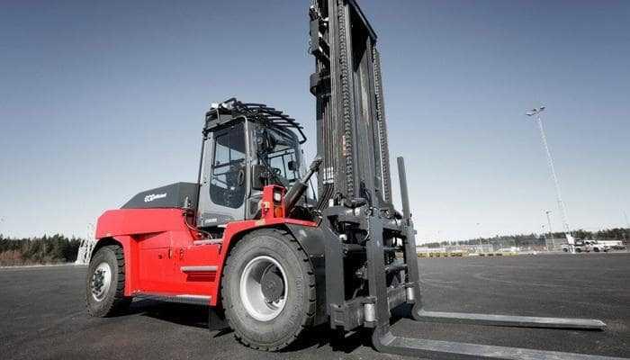 Як електричні вилочні навантажувачі Kalmar допомагають SEAC скоротити викиди вуглекислого газу