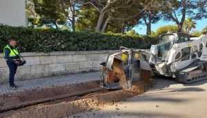 Компанія Vitrac Obra Pública виконує землерийні роботи за допомогою компактного навантажувача Bobcat T770, керованого з пульта дистанційної системи управління, на іспанському острові Майорка